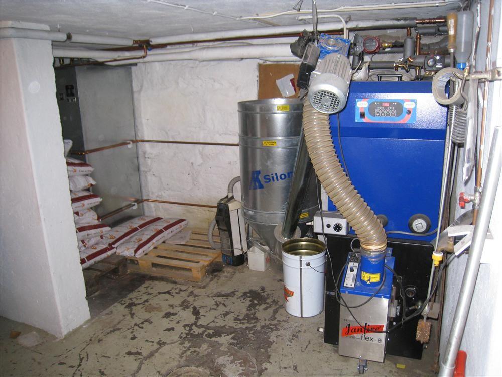 Pelletspanna med ackumulatortank